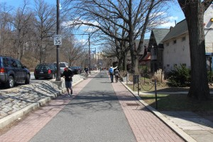 The running trail behind Boathouse Row