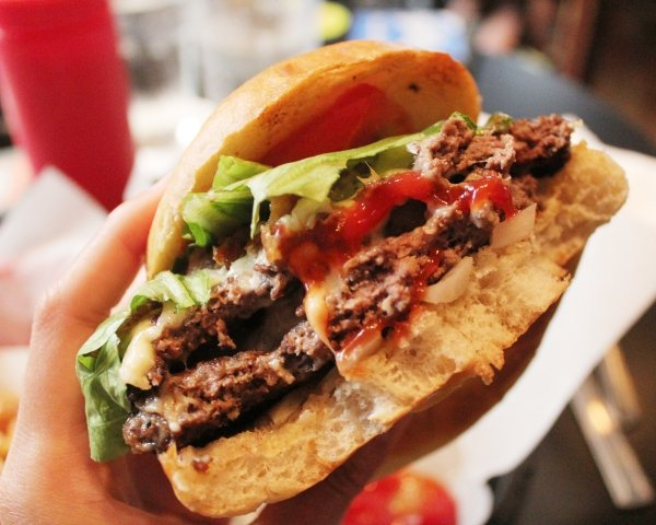 luckys-last-chance-burger