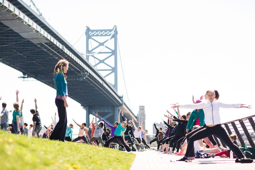 race-street-yoga