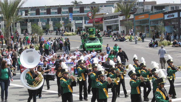 Photograph: Courtesy Hermosa Beach Chamber of Commerce Hermosa Beach St. Patrick's Day Parade.