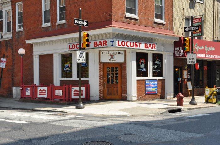 locust-bar