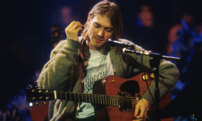 kurt_cobain_mtv_unplugged_guitar