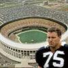 howie-long-veterans-stadium